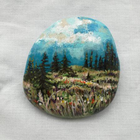 Lesní louka – malovaný kámen